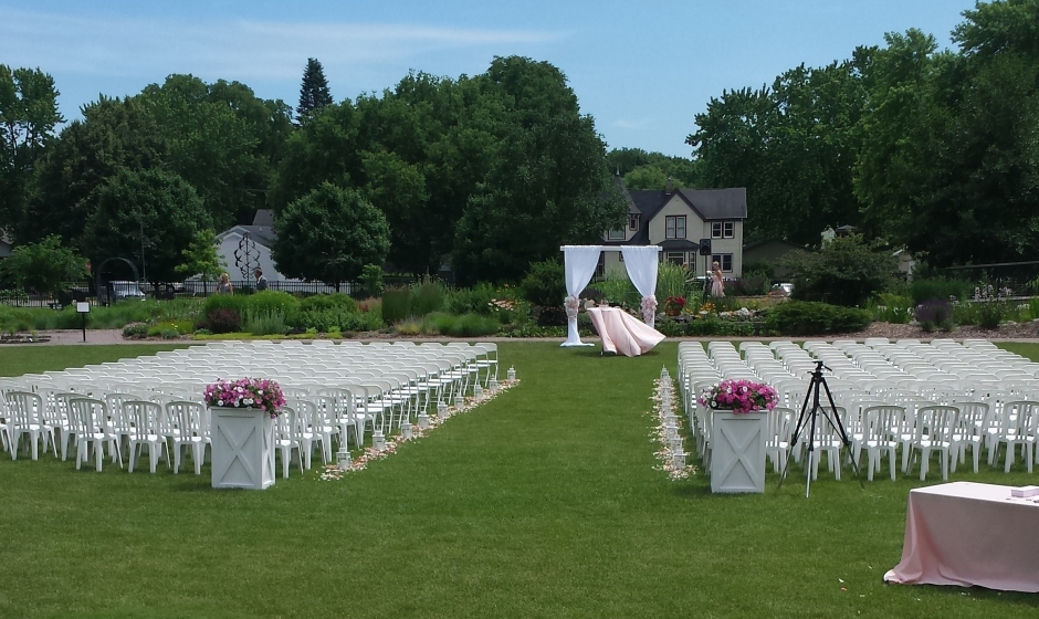Wedding at Central Gardens of North Iowa