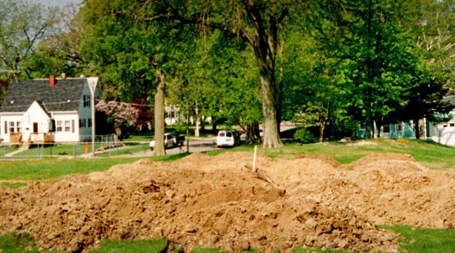 2002.Groundbreaking
